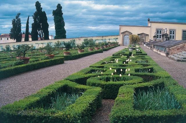 Garden Of The Medici Villa In Castello Piccoli Grandi Musei