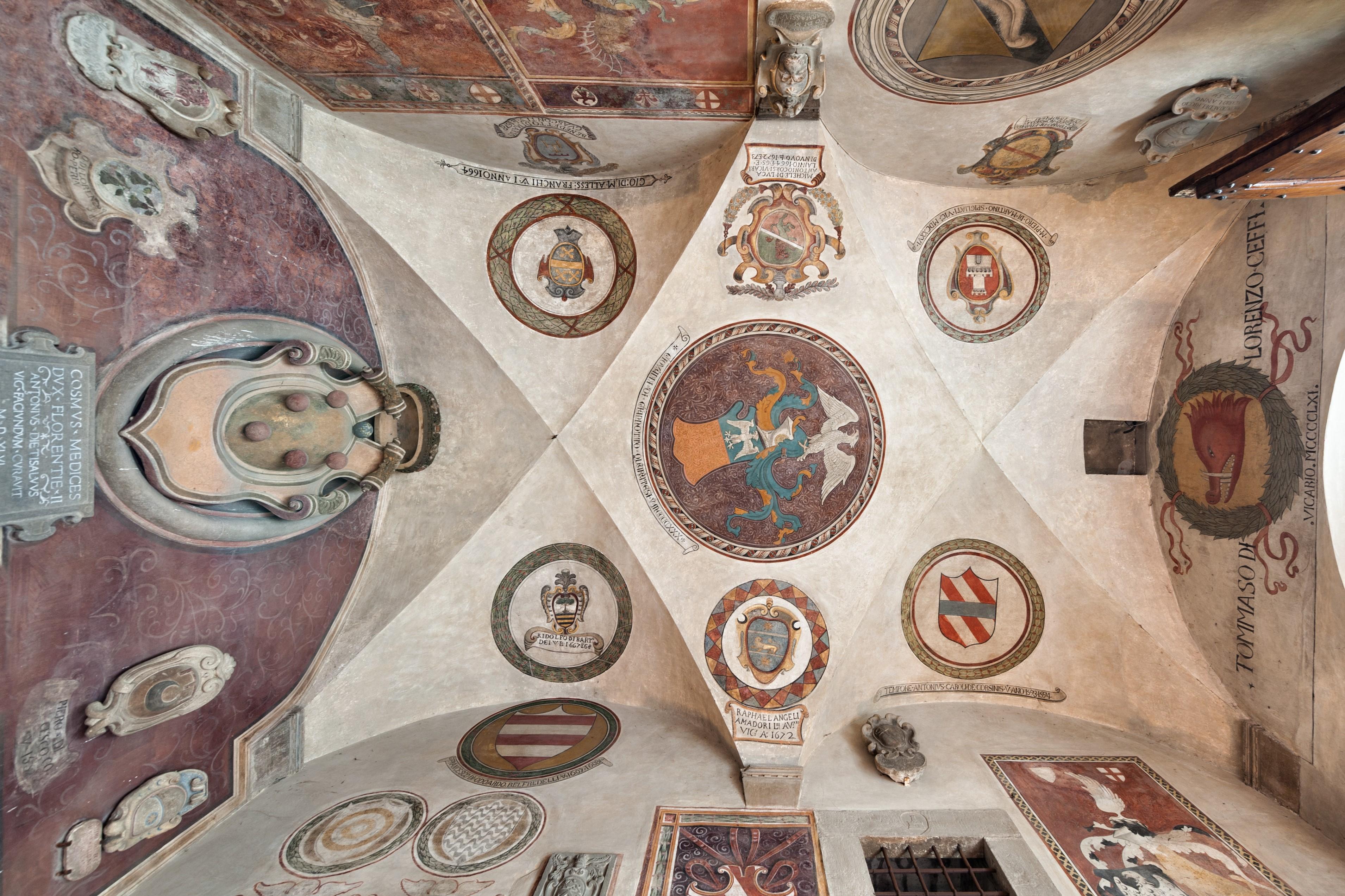 Atrio Palazzo Vicari e Museo Ferri Taglienti